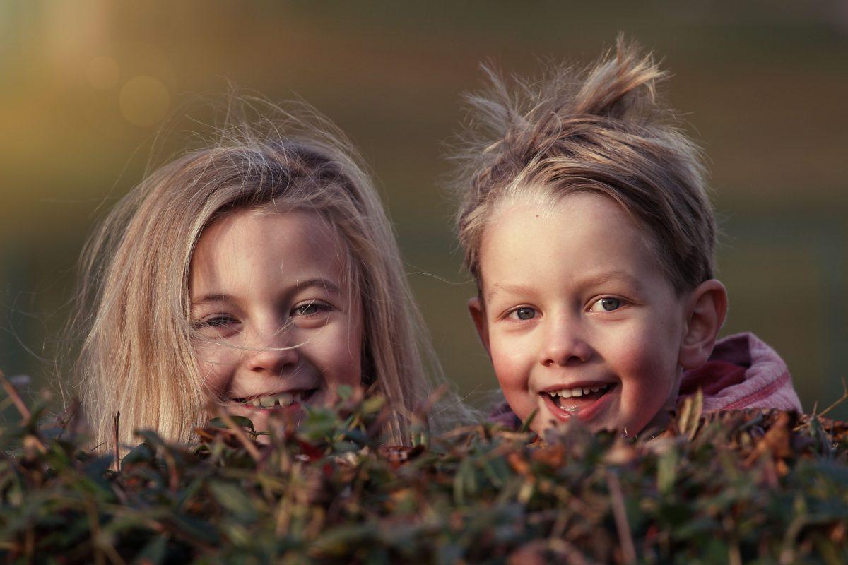 children-1879907_1920-1200x800.jpg